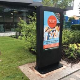 outdoor waterproof freestanding digital signage posters kiosks totems 07 Copy 1